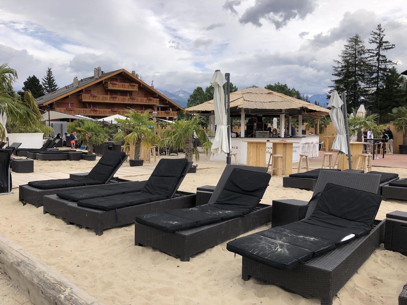 Il Beach Club sulle rive dell'Etang Long