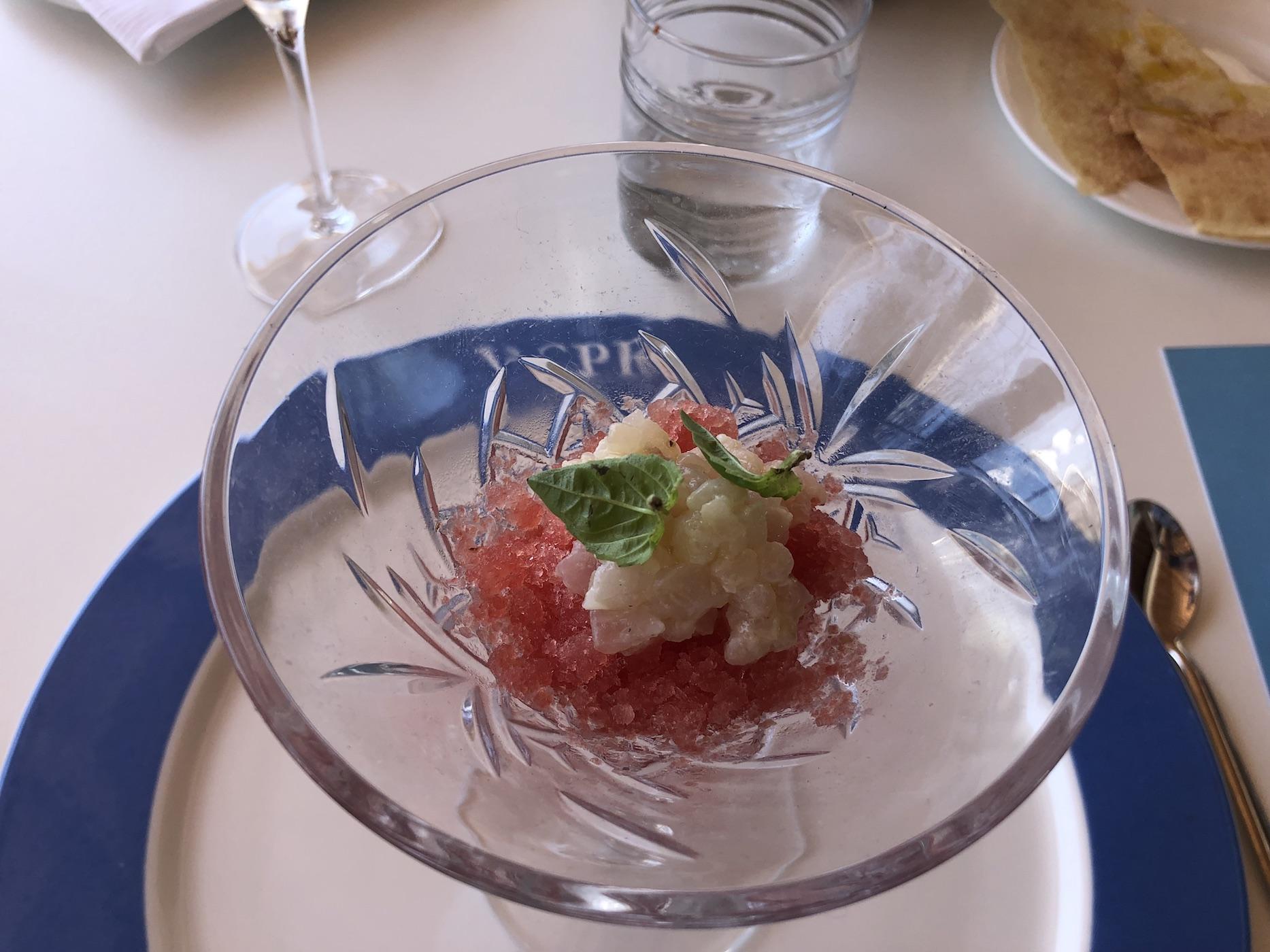 Piccola tartare di dentice, con anguria e Campari: una creazione di Daniel Canzian, uno degli chef che partecipa a Porto Rotondo On Top