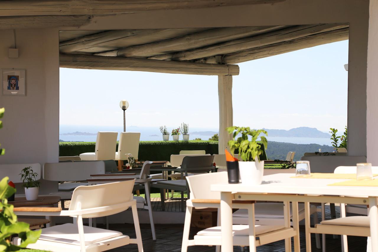La vista di Frades Terrazza, a Porto Cervo.