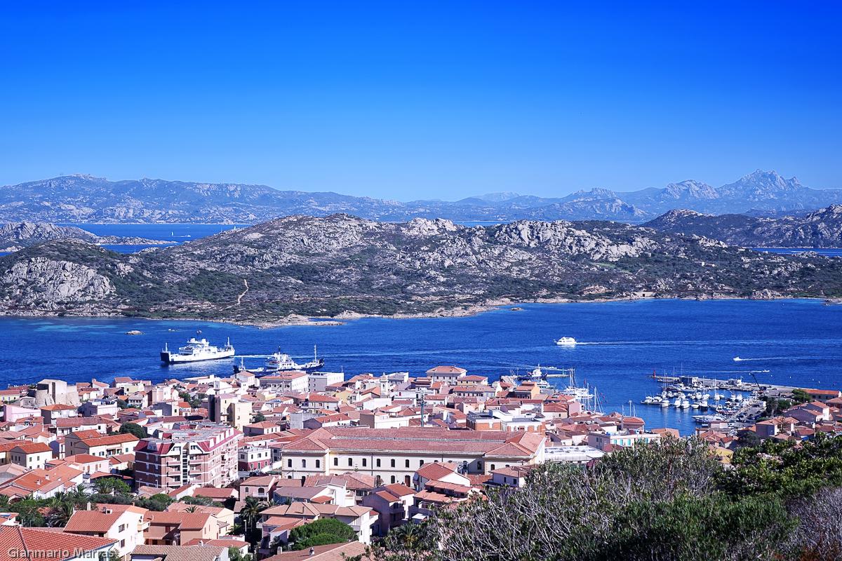 La Maddalena - Vista del paese e del porto